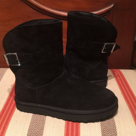 a5cc959674b New UGG Remora Black Crystal Buckle